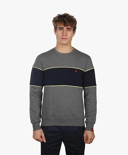 2002-BSW009-L008 | Neon Detail Crew Neck Sweatshirt